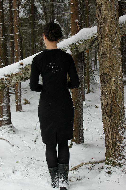 Еще одно маленькое ипочти черное платье) от danin