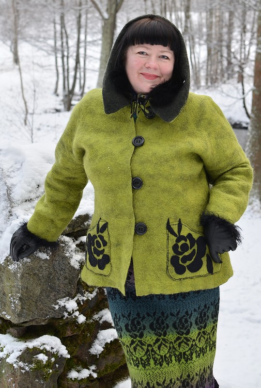 Цельноваляная курточка