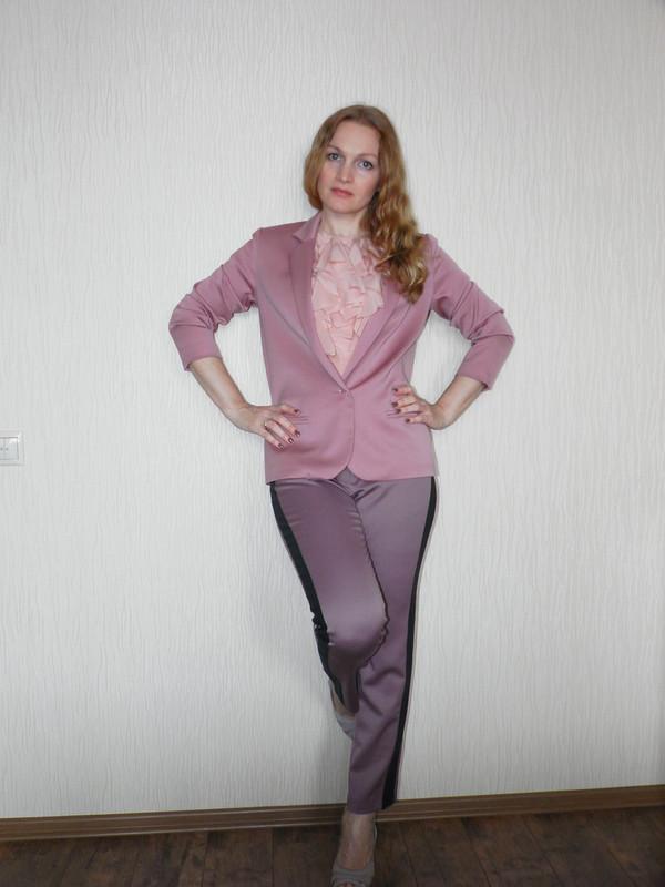Розовый блейзер