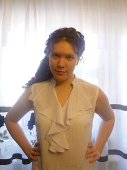 Работа с названием Блуза с воланами