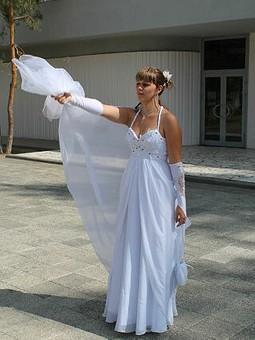 Работа с названием Свадебное платье для подруги