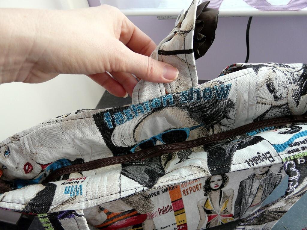 Гобеленовая сумка срепсовой отделкой