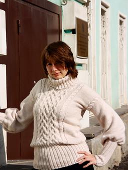 Работа с названием свитер