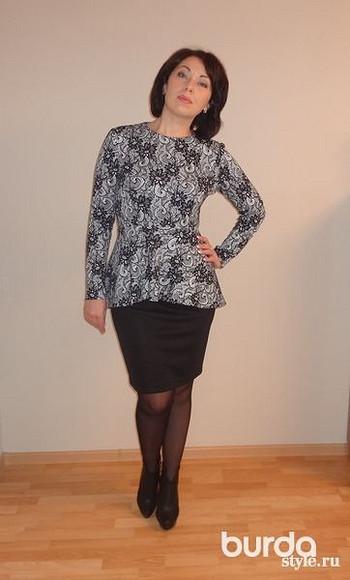 С чем носить блузки изтрикотажа