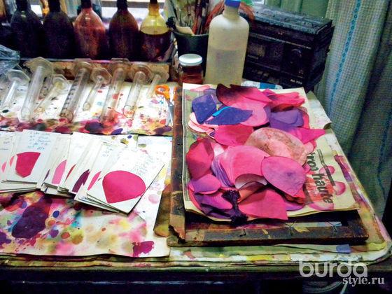 Цветы как элемент декора: дизайнеры освоем творчестве