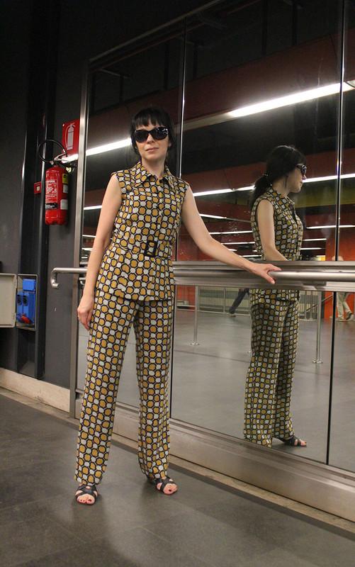Брючный костюм подгрифом Prada