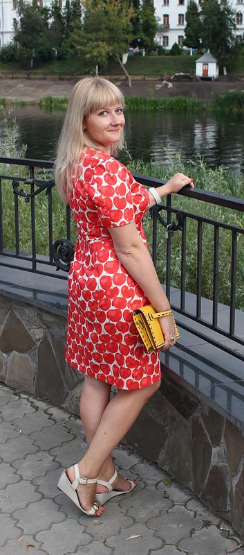 Платье сяблоками