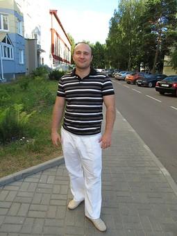 Работа с названием Белые брюки для мужа
