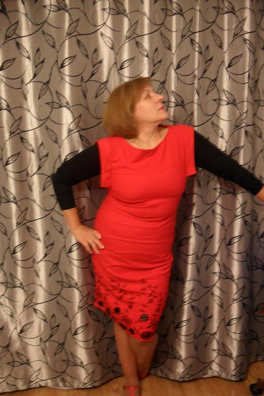 Платье-футляр дляуспешной женщины.
