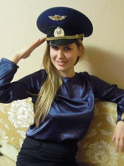 Работа с названием Темно-синяя блузка
