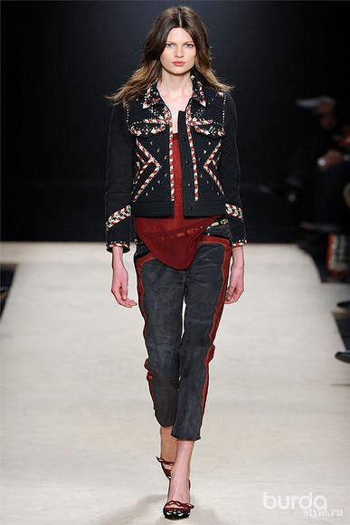 Модная джинсовая куртка