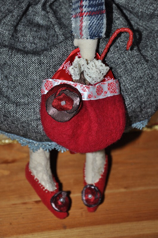 Кукла Ася...