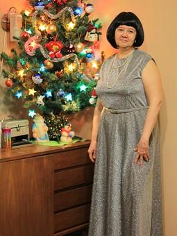 Работа с названием Новогоднее платье.