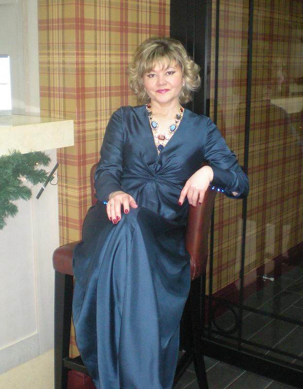 Синий шелк иплатье впол от зайчик