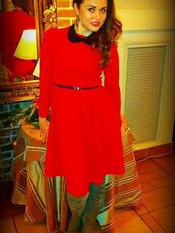 Работа с названием Красное платье для моей подружки