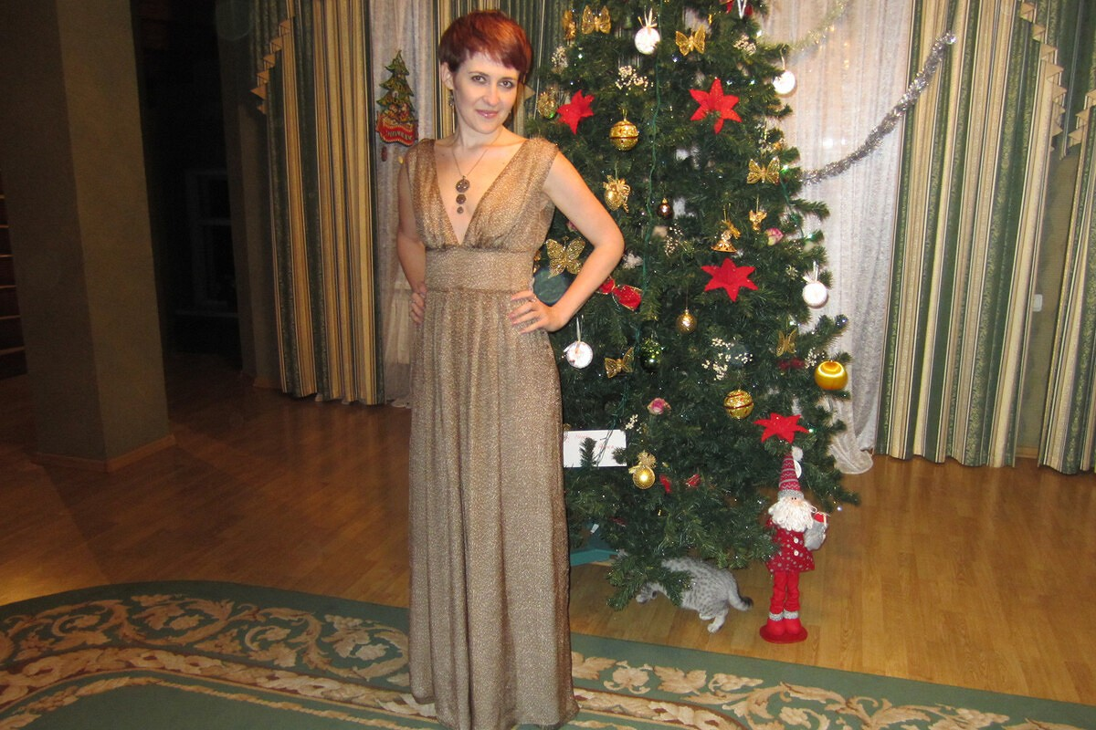 Платье, модель 126 BURDA 6/2010