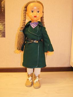 Работа с названием Новая одежда для куклы