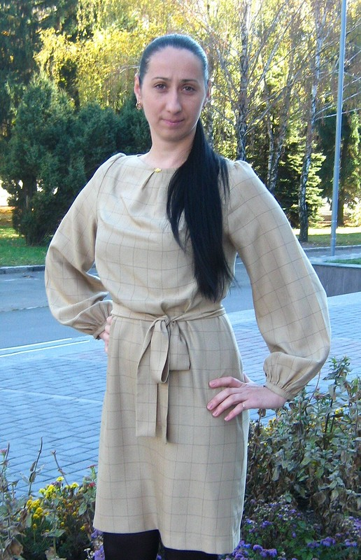 Платье вклетку. от VALU