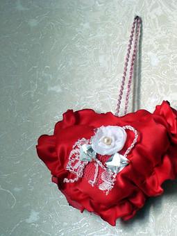 Работа с названием Сердечки-сувениры