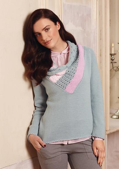Стильный пуловер срозовой вставкой