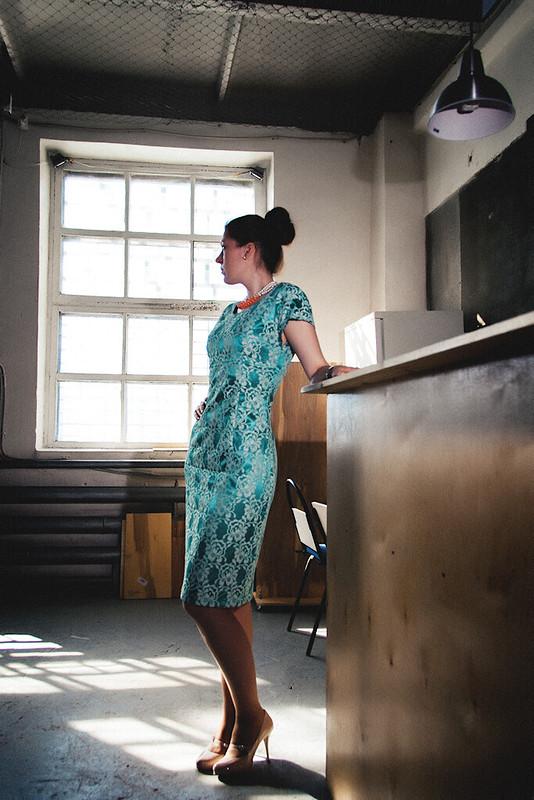 Коктельное платье изкружева от Katja