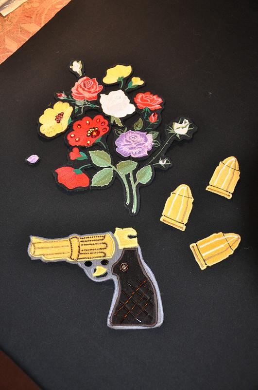 Пистолет,цветы ипули от nushi