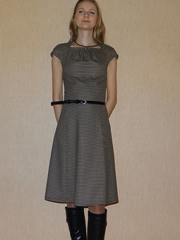 Работа с названием Любимое платье