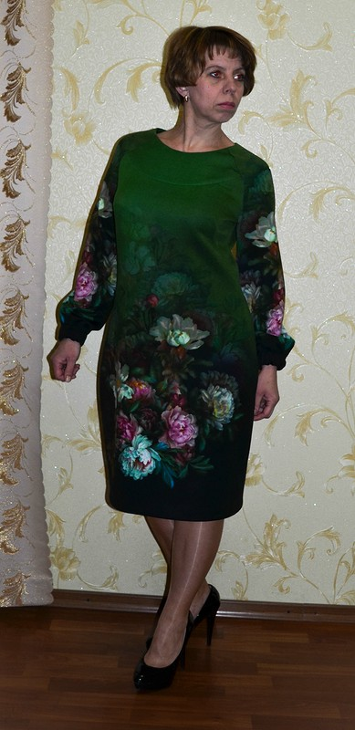 Платье сбукетами от Елена Балабан