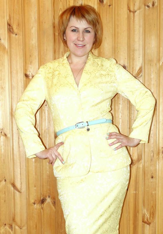 Жаккардовый костюм или Пусть весна будет Яркой!