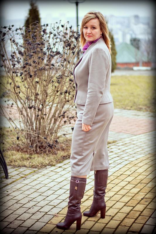 Зимний...просто зимний!.. или....Офисный костюм длядамы..)