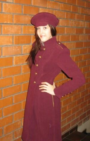 Пальто ввоенном стиле.