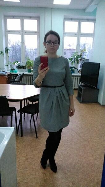 Платье вклетку виши