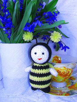 Работа с названием Пчёлка