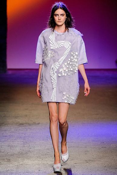 Офисный дресс-код: платья 2014