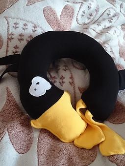 Работа с названием Дорожная подушка Утка