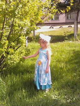Работа с названием Платье на выпускной из детского сада