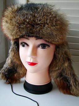 Работа с названием Мех и кожа - что может быть лучше для зимней шапки?