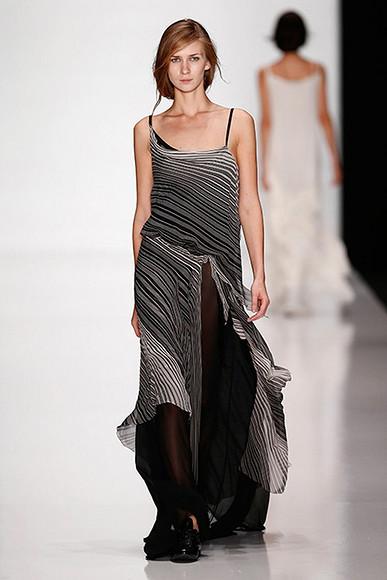 Длинные платья— фавориты лета 2014″ class=