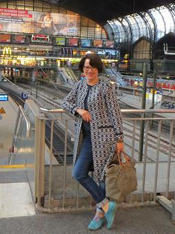 Работа с названием Путешествие из Равенсбурга в Гамбург ... и пальто впридачу ...