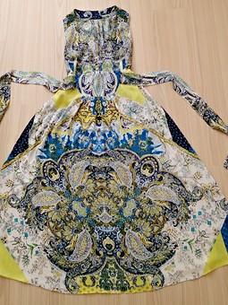 Работа с названием платье с обложки апреля