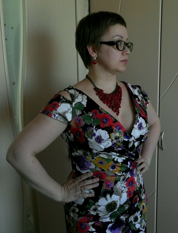 Платье безвставки плиссе.