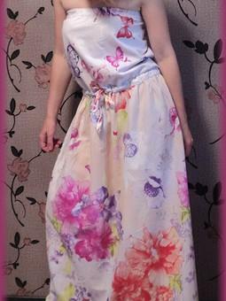 Работа с названием Платье летнее и легкое.