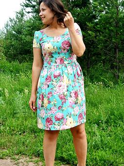 Работа с названием Любимое мятное платье)