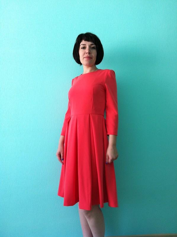 Коралловое платье от Jane Samkova