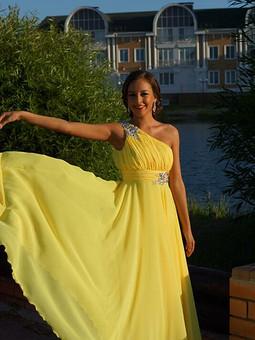 Работа с названием Платье для выпускного бала