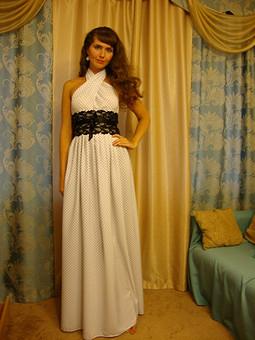 Работа с названием белое платье в горошек