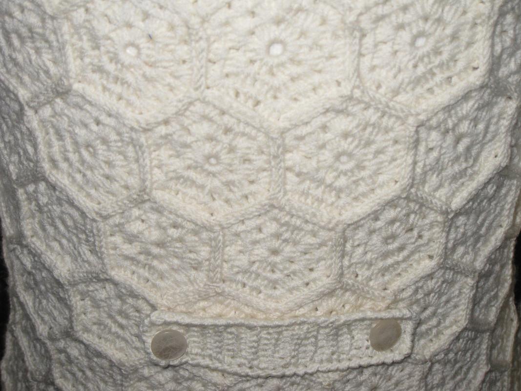 Белый  вязаный жакет