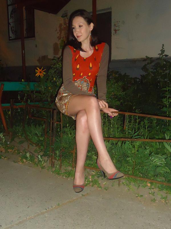 Платье заночь.