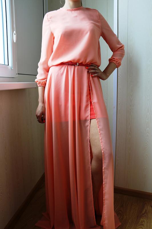 Персиковое платье