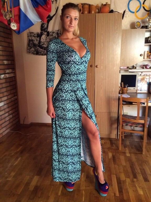 Горячее платье)))